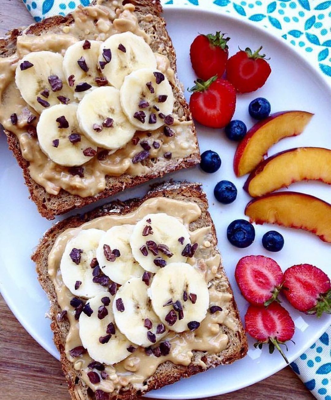 peanut butter,banana,wholewheat bread,toast.healthy breakfast,breakfast ideas