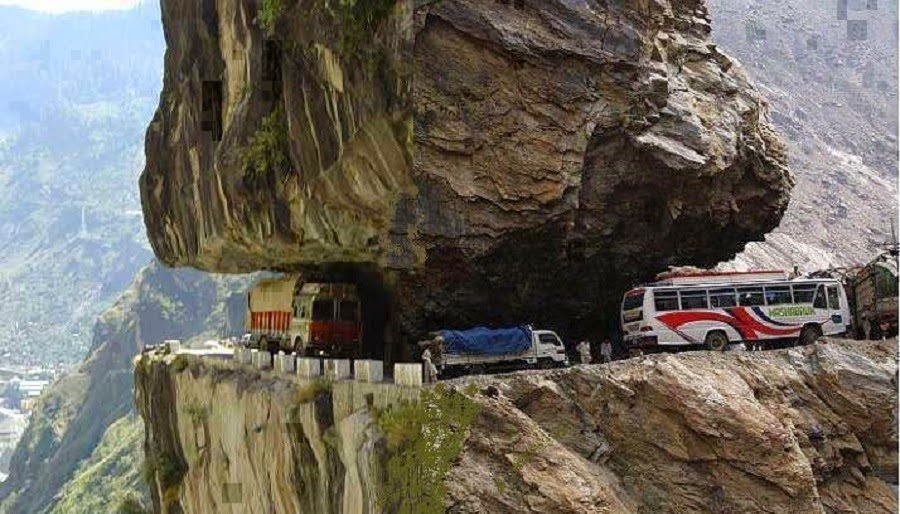 dangerous roads, scariest roads, deadliest roads, roller costers